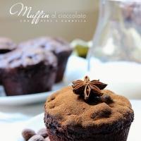 Muffin al cioccolato con pera e cannella